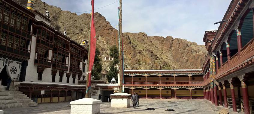 Lacs Et Monast 232 Res Ladakh Gets Holidays